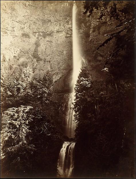 Multnomah Falls Cascade, Columbia River