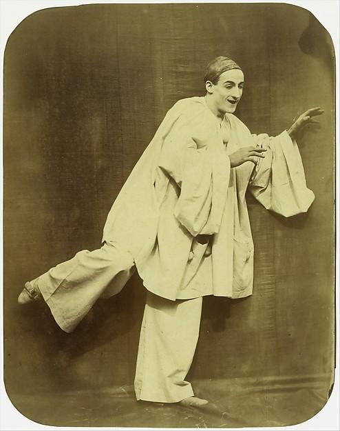 Pierrot Running