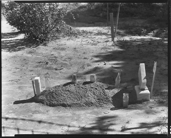 a childs grave hale county alabama Child's grave, hale county, alabama is a forty-two line poem written in a single, unrhymed stanza because it is written in one stanza, for the sake of clarity, i will discuss one sentence at a time starting with the first sentence and ending with the last.
