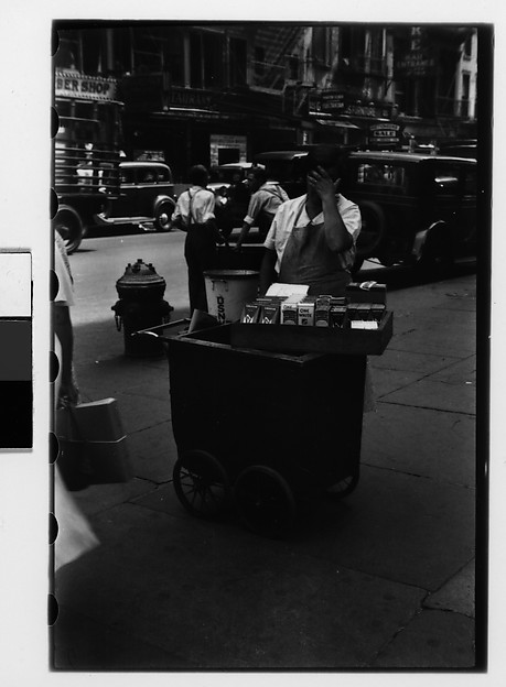 [Housegoods Vendor and Cart on Fourteenth Street, New York City]