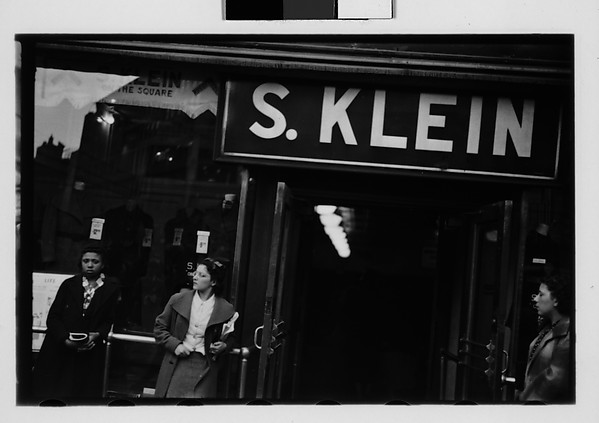 [Klein's Department Store Entrance, Union Square, New York City]