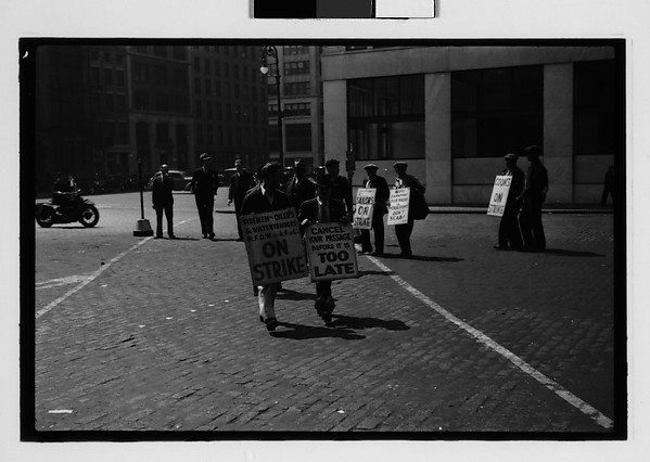 [Picket Lines, South Street, New York City]