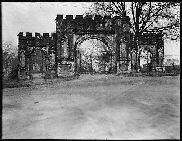 [Gothic Revival Gate, Old State Capitol, Milledgeville, Georgia]