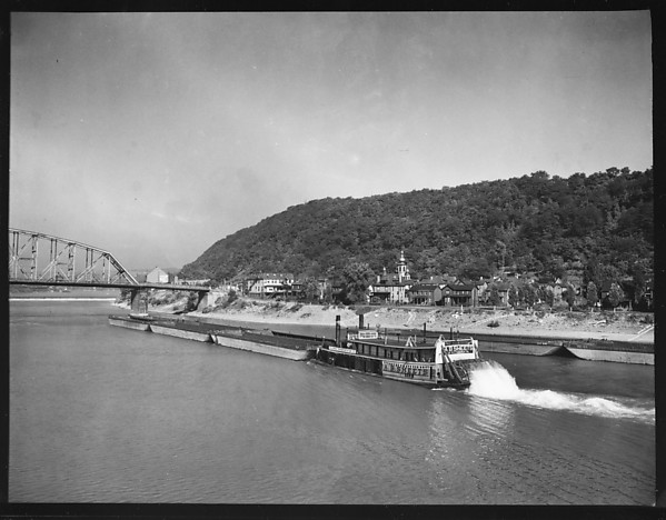 [Sternwheeler A.B. Sheets on River, Pittsburgh, Pennsylvania?]