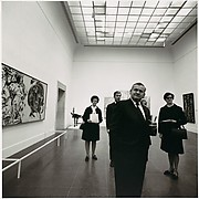 [People in the Gallery, Metropolitan Museum of Art]