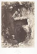 Jérusalem, Vallée de Hinnom, Tombeau antique à fronton triangulaire et à crossettes