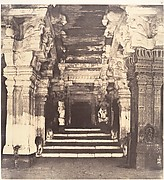 Entrance to the Thousand Pillared Mundapam in the Great Pagoda