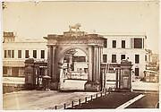 [N.E. Gate of Government House, Calcutta]