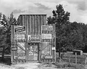 [Roadside Store with Advertisements on Façade, Between Tuscaloosa and Greensboro, Alabama]