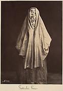 Femme turque en toilette de ville