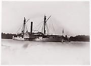 """U.S. Gunboat """"Mendota"""", James River"""