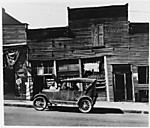 [Automobile and Barber Shops, Vicksburg, Mississippi]