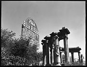 [Park Colonnade and Pabst Blue Ribbon Sign, Chicago, Illinois]