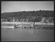 [Sternwheeler Allegheny on River, Pittsburgh, Pennsylvania?]