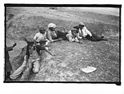 [Children on Levee, New Orleans Vicinity, Louisiana]