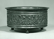 Bowl decorated with frieze of grotesques