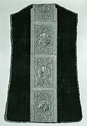 Chasuble, Back
