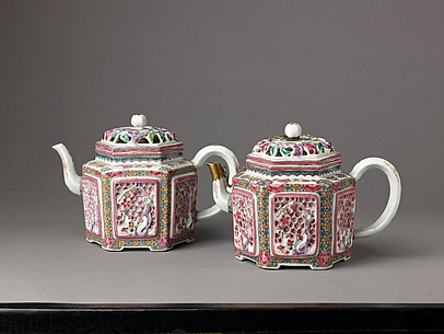 Hexagonal teapot or winepot