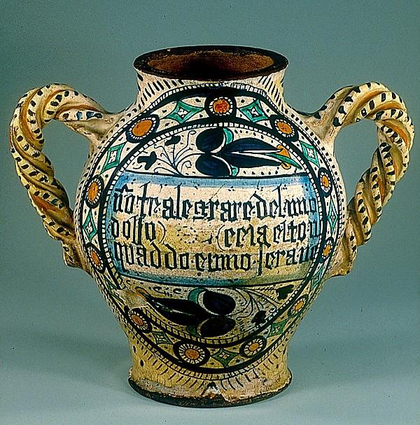 Armorial Jug (vaso)