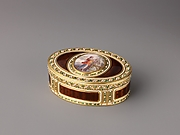 Snuffbox with painted-on-ivory image of Venus and Cupid
