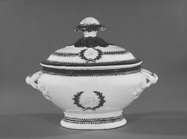Covered Sauceboat, Porcelain, Chinese, for American market