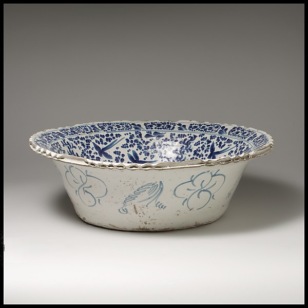 Basin, Attributed to Damián Hernández (Mexican, active 1607–70), Tin-glazed earthenware, Mexican