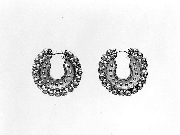 Earrings, Gold, Achaemenid
