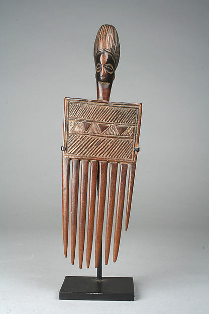 Comb: Head, Wood, Chokwe peoples