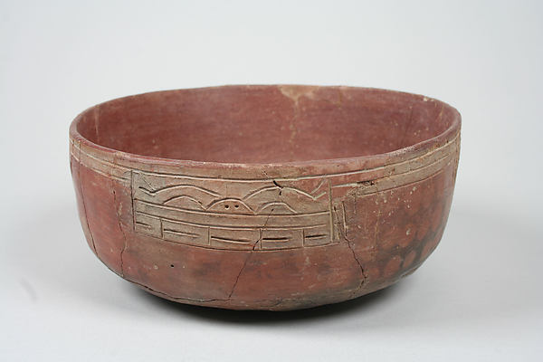 Incised bowl with animal motif, Ceramic, pigment, Paracas