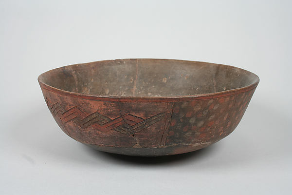 Incised bowl with dots, Ceramic, pigment, Paracas