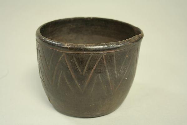 Bowl with Pouring Lip, Ceramic, Paracas