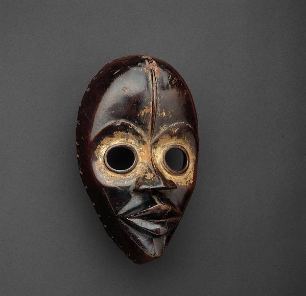 Face Mask (Gunye Ge), A Yakouba carver, Wood, pigment, kaolin, Dan peoples