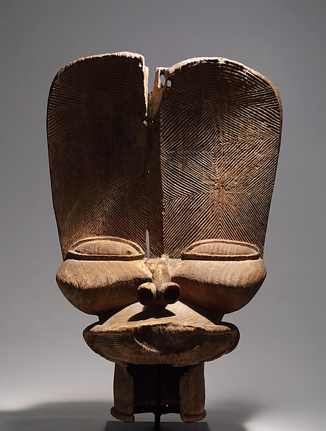 Crest (tsesah), Wood, Bamileke peoples