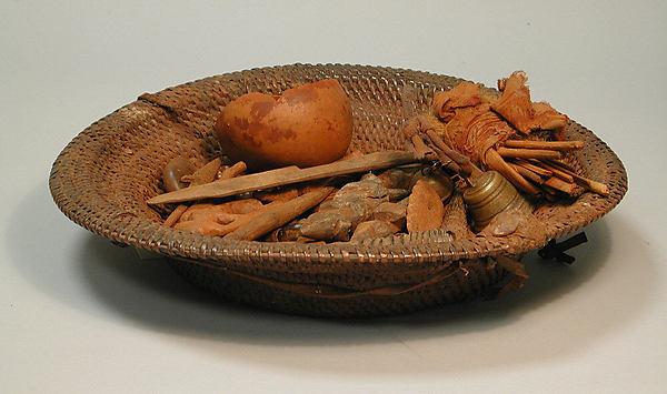 Divination Basket (Ngombo Ya Cisuka), Fiber, wood, iron, plant and animal matter, Chokwe peoples