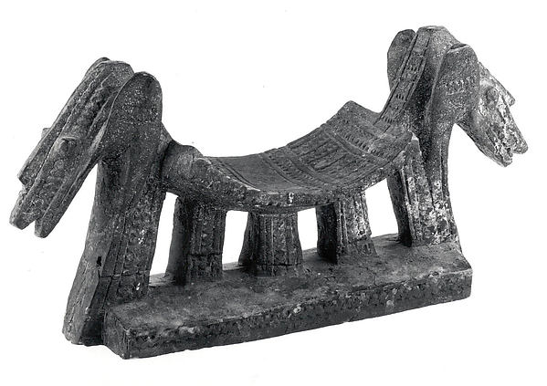 Headrest: Zoomorphic Heads, Wood, Dogon or Tellem  peoples (?)