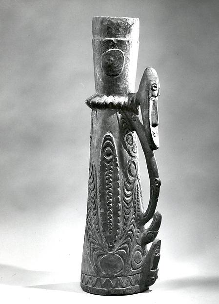 Drum (Kundu[?]), Wood, cowrie shells, paint, Kapriman people