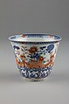 Cup, Porcelain painted in underglaze blue, overglaze iron-red, green, and gilt, China