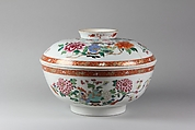 Covered Bowl, Porcelain painted in overglaze famille rose enamels and gilt, China
