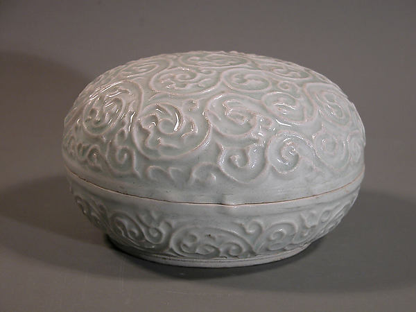 Circular Box and Cover, Porcelaneous stoneware with white glaze, China