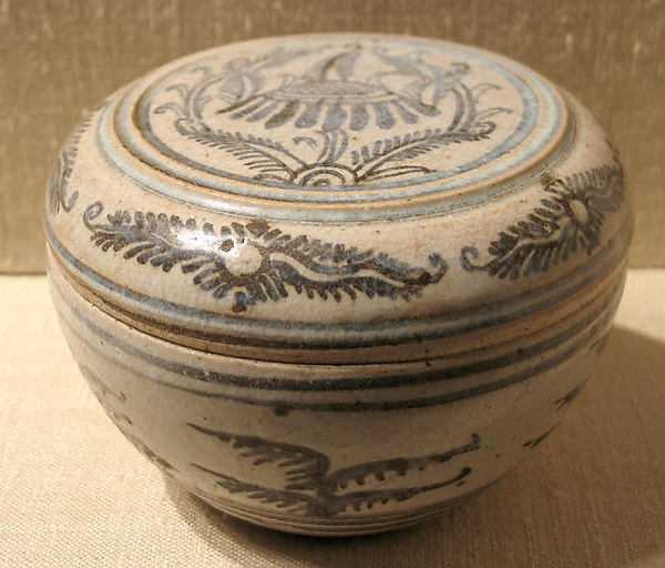 Covered Box, Earthenware with cream white glaze and iron-brown underglaze decoration, Thailand (Si Satchanalai)