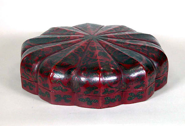 Lobulated Covered Box, Red and gold lacquer, Japan