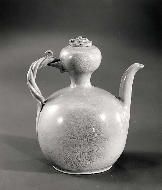 Wine Ewer with Lid, Porcelaneous stoneware with incised decoration under celadon glaze, Korea