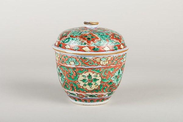 Bowl with Lid, Porcelain decorated with polychrome overglaze enamels, China