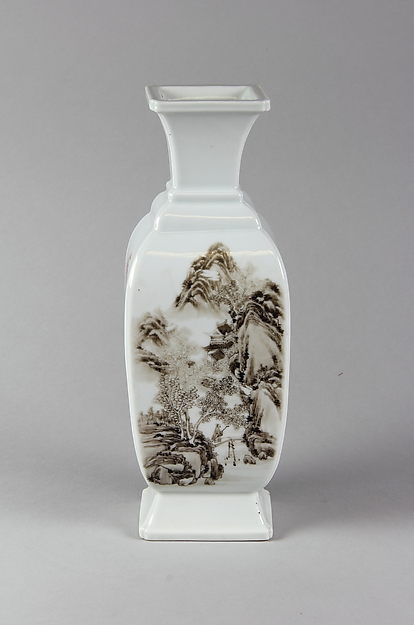 Vase, Porcelain painted in overglaze black and iron-red, China