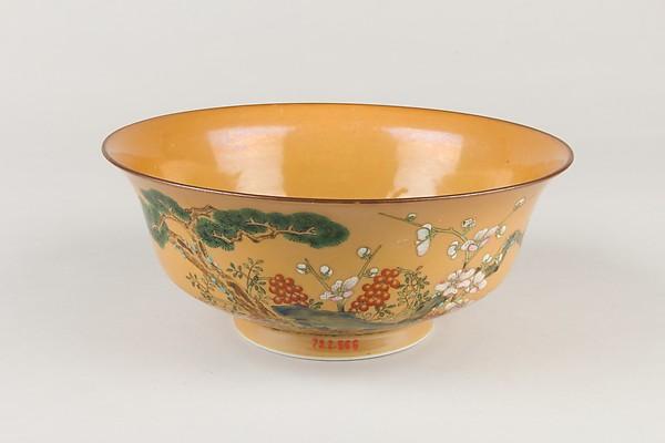 Bowl, Porcelain with a cafe-au-lait glaze, painted in overglaze polychrome enamels, China