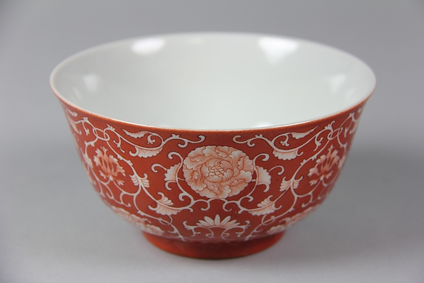 Bowl, Porcelain painted in overglaze red enamel, China