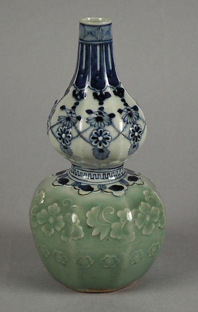 Gourd-shaped Bottle with Jewel String and Molded Floral Design, Porcelain with celadon glaze and underglaze cobalt-blue decoration (Nabeshima ware), Japan