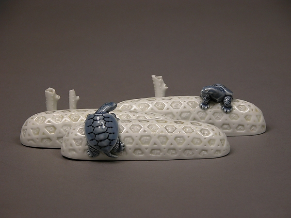 Paperweight in the Shape of Embankment Baskets and Turtles, Porcelain with underglaze blue (Hirado ware), Japan