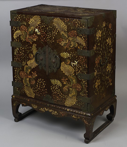 Chest, Lacquered wood with mother-of-pearl, tortoiseshell, sharkskin, brass wire inlay and brass fittings, Korea