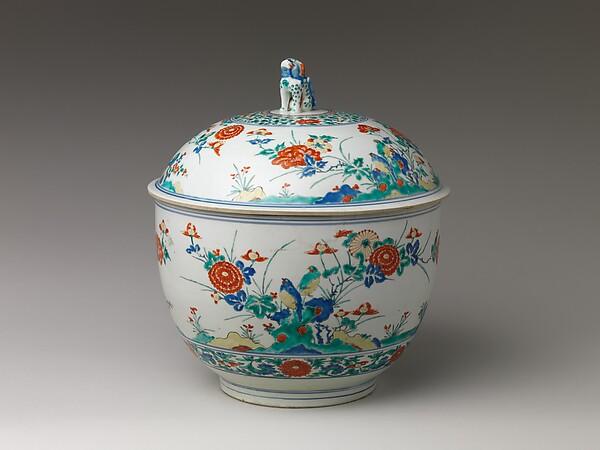 Deep Bowl with Lid, Porcelain painted in underglaze blue and overglaze enamels (Arita ware, Kakiemon type), Japan